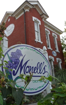Monelle's A Nashville Tradition, copyright The Allium Garden